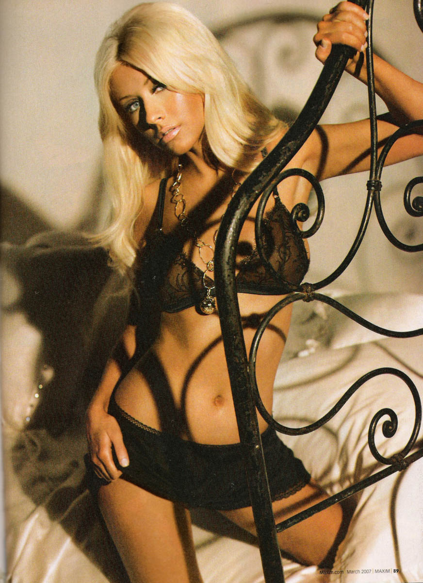 Christina Aguilera - Maxim - HD